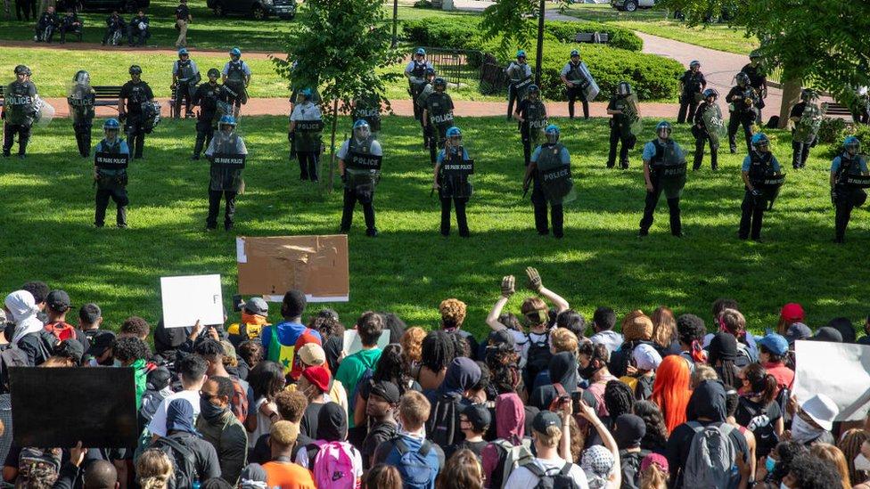 El despliegue de seguridad en junio ante las protestas de BLM contaba con la participación de distintos cuerpos de seguridad.