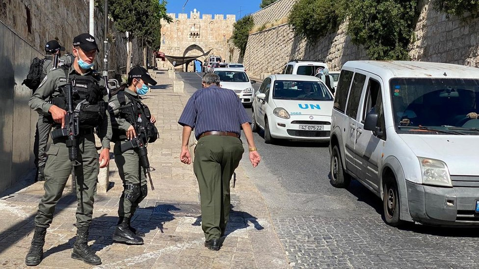 Israeli police patrol the area of Jerusalem where Iyad Halaq was shot dead (30 May 2020)