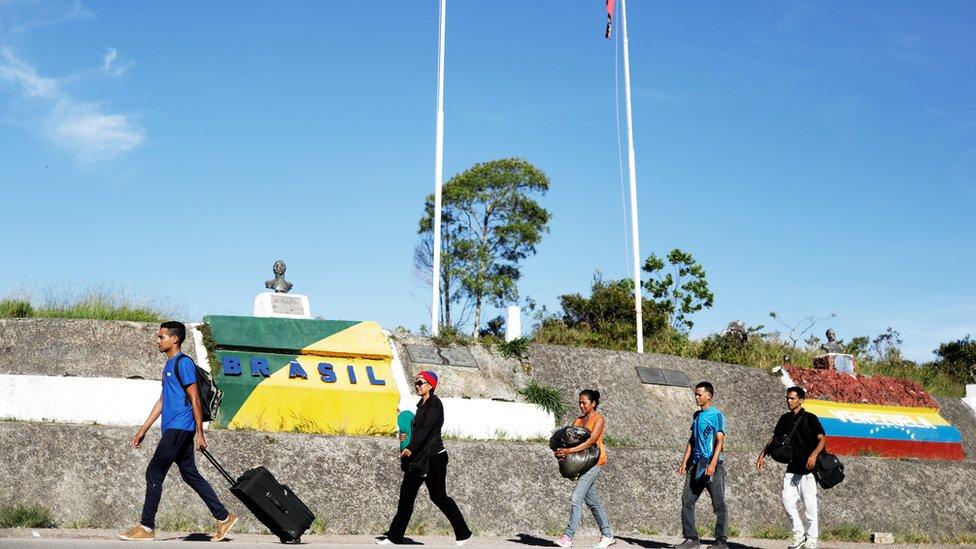Venezolanos llegando a Brasil
