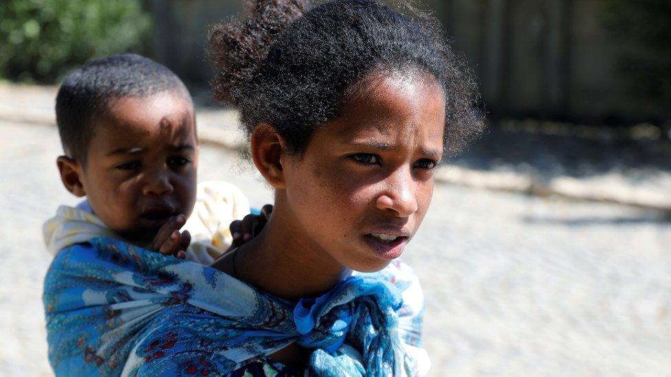 الصراع أدى إلى ترك الآلاف لمنازلهم.