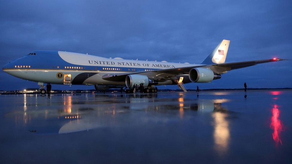 過去數代的美國總統專機,都使用類似的藍白色塗裝。