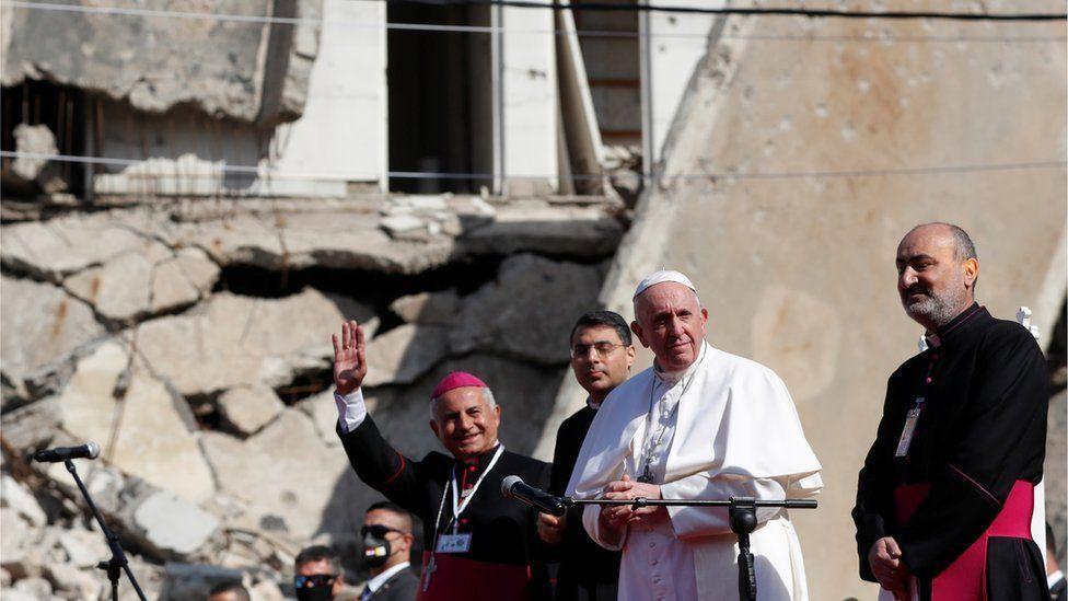 Папа римский посетил освобожденные от исламистов регионы Ирака и разрушенные церкви