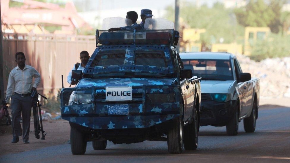 إجراءات أمنية مشددة في الخرطوم قبل بدء جلسة المحكمة