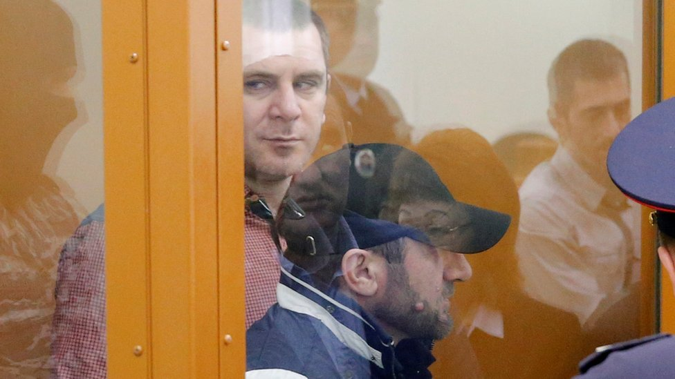 Ramzan Bakhayev (l) and Tamerlan Eskerkhanov in court in Moscow