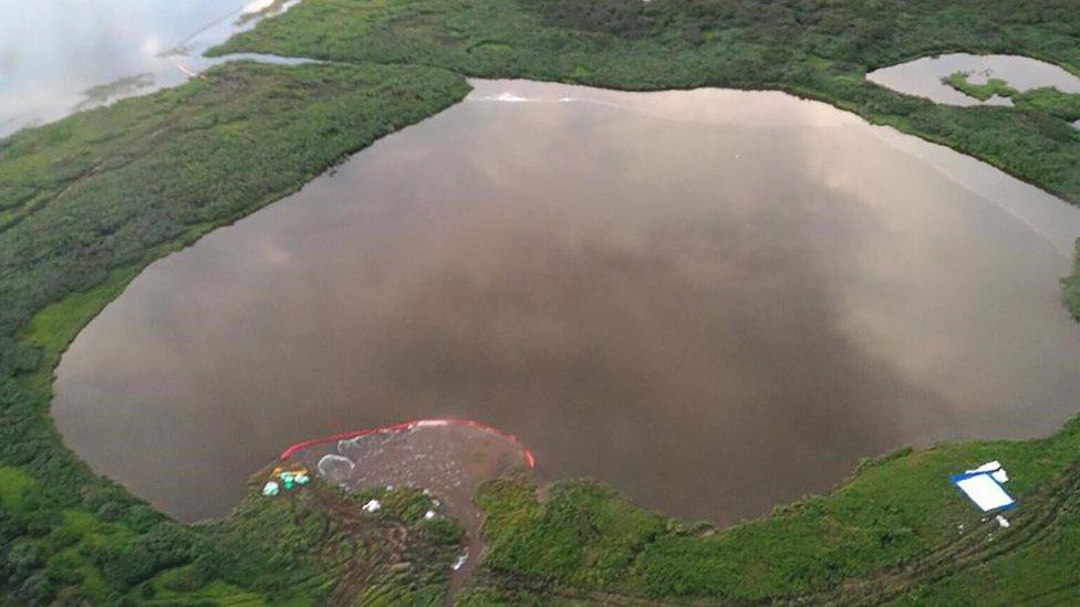 "Акции ""Норникеля"" упали после нового разлива топлива. В озеро попало 45 тонн керосина"