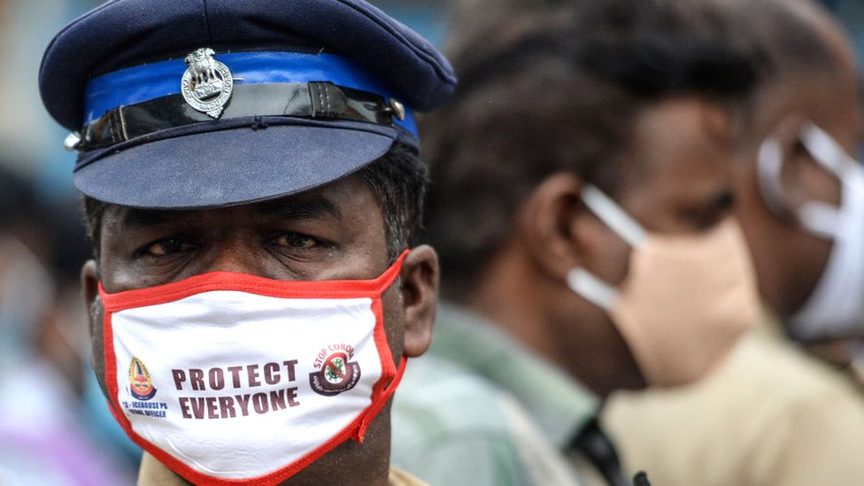 A policeman wearing a mask in Chennai, Tamil Nadu state