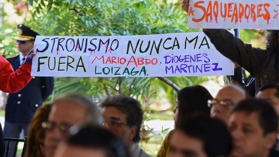 Manifestación en contra de la victoria de Mario Abdo Benítez.