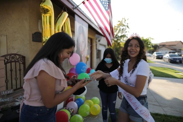 Una fiesta de cumpleaños en California