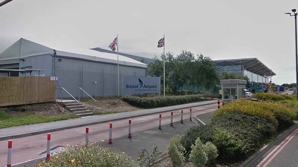 'Dangerous' Bristol Airport bus firm loses licence