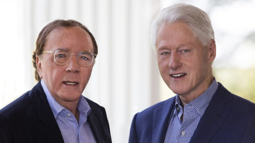 Photo of James Patterson and Bill Clinton