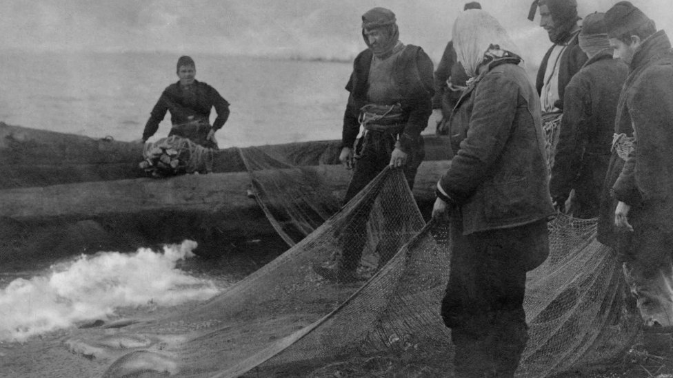 Tokom turbulentne prošlosti jezera, riba je prehranjivala lokalni živalj