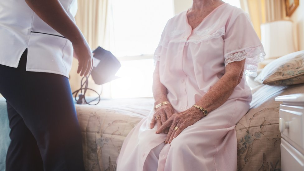 Time spent frail in old age 'doubles'
