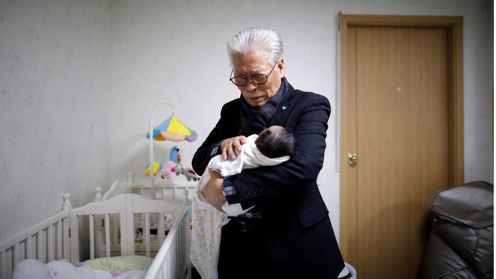 Una película surcoreana sobre el pastor y defensor del buzón para bebés, Lee Jong-rak, le ha dado un gran impulso al concepto.