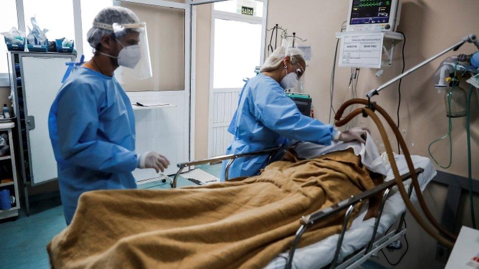paciente com covid grave em Porto Alegre