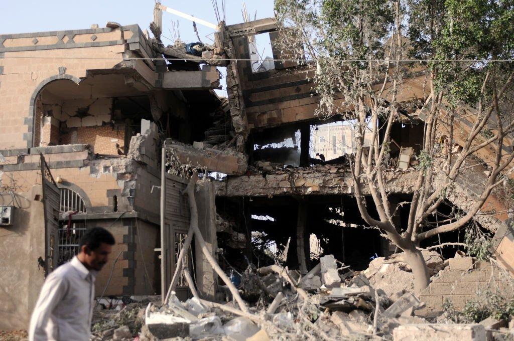 بناء مدمر بفعل غازة للتحالف العربي