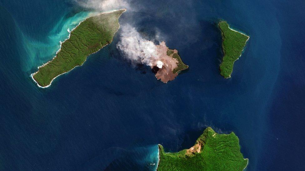 Volcán Anak Krakatau en agosto de 2018