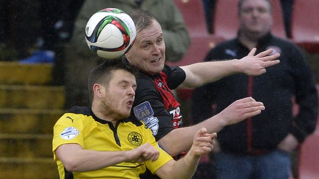Action from Crusaders against Cliftonville at Seaview