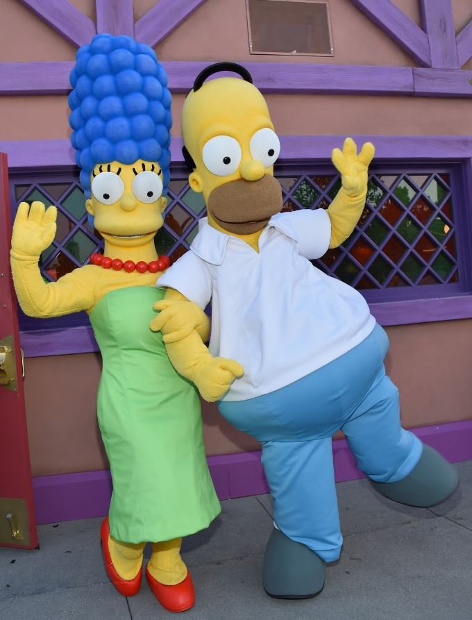 Cartoon characters Marge and Homer Simpson