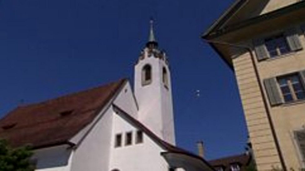 Mobile ringtone replaces sound of Swiss church bells