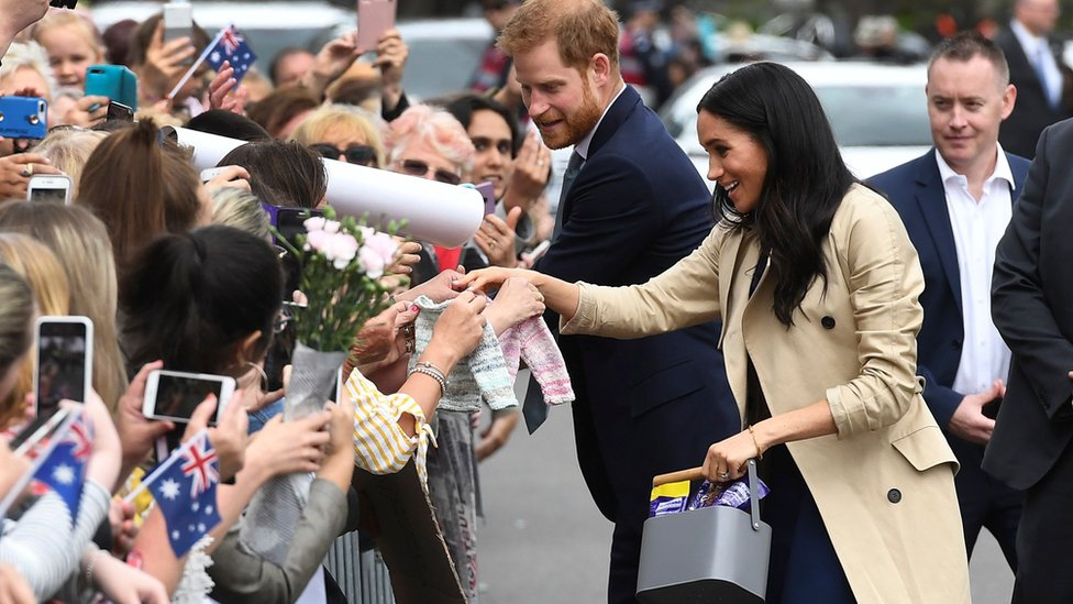 The Duke and Duchess of Sussex meeting members of the crowd in Melbourne