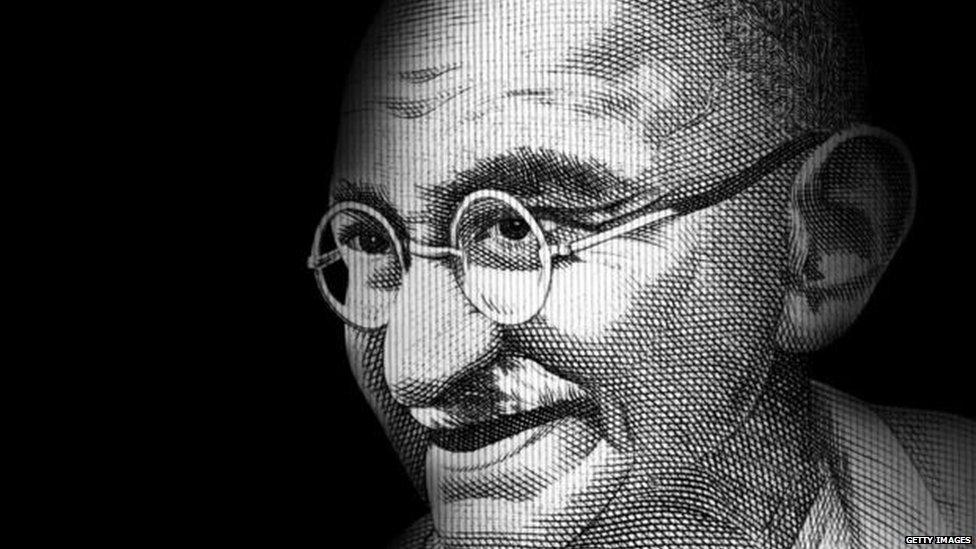 आरएसएस ने महात्मा गांधी को दिल से स्वीकार किया है?