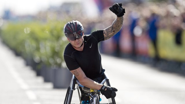 David Weir wins the men's wheelchair race at the Great North Run
