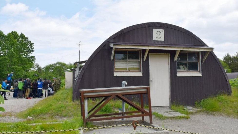 The hut where Yamato Tanooka was found at a military base in Hokkaido (3 June 2016)