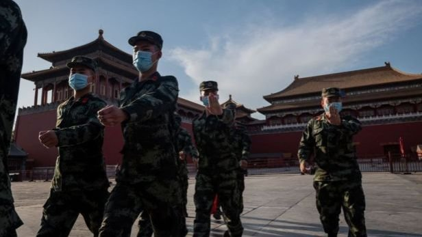 فرضت السلطات الصينية الإغلاق بالقوة