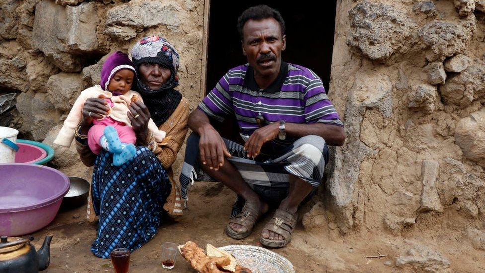 عائلة يمنية شردتها الحرب