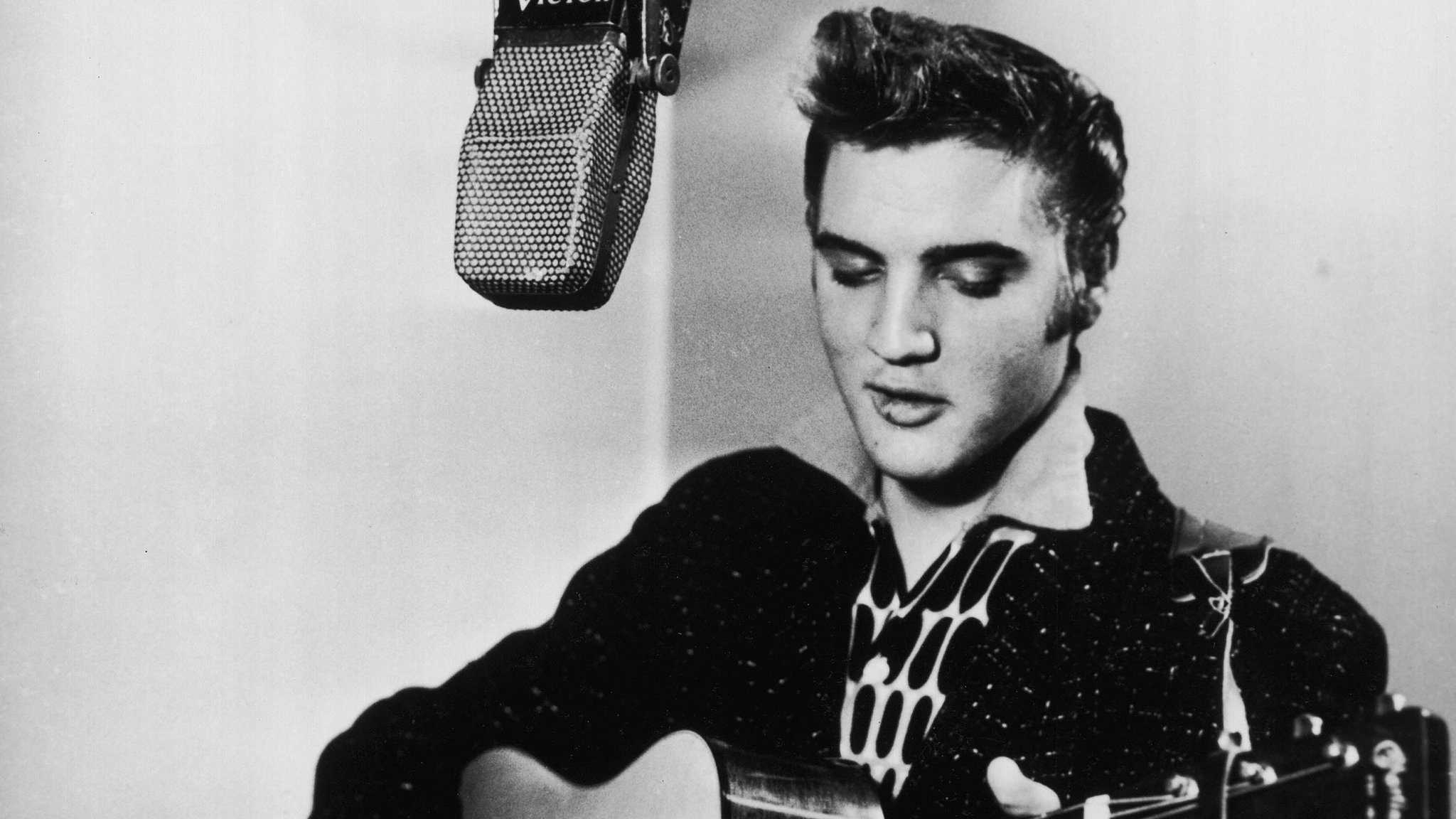 Elvis Presley gets US Presidential Medal of Freedom