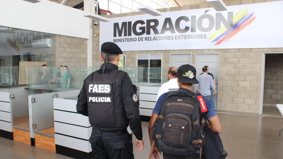Al menos un miembro del grupo comando FAES solicitó refugio en Colombia.