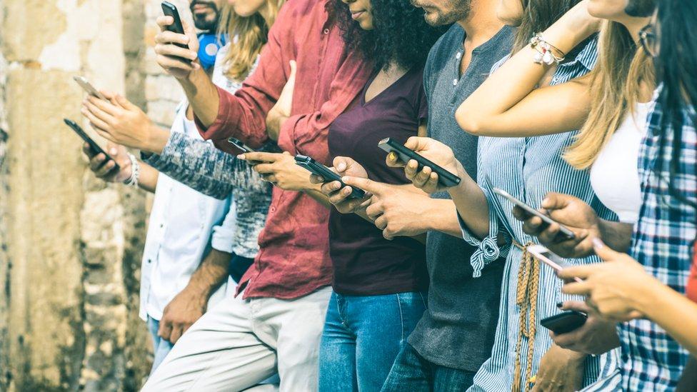 هذه أول دراسة تربط بين الهواتف الذكية وسمات الشخصية