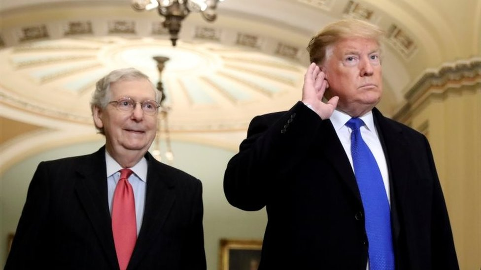Mitch McConnell y Donald Trump