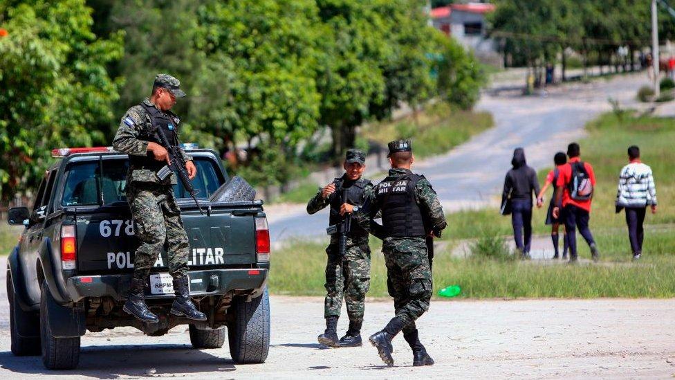 Honduras, policías.