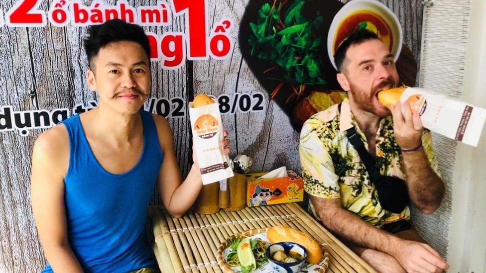 'Reabriremos quando conseguirmos voltar ao Brasil': pandemia mantém donos de restaurante 'presos' por 8 meses no Vietnã