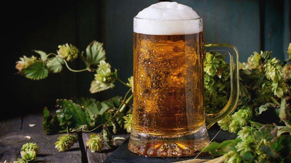 Cerveza fría.