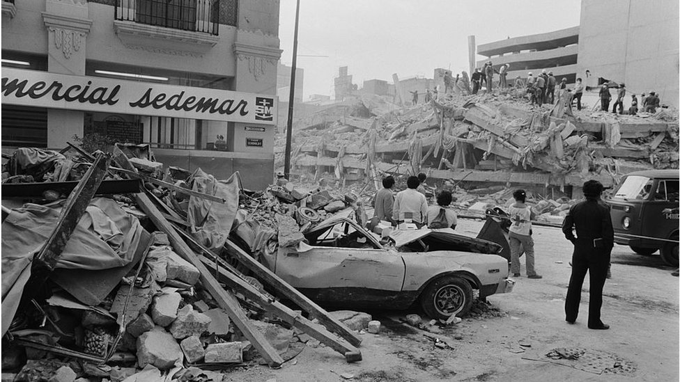 Edificios destruidos tras el terremoto de 1985 en México