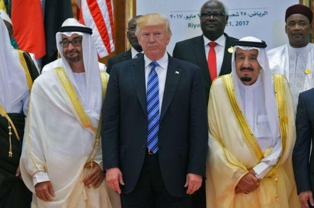 रियाद में मुस्लिम देशों के साथ बैठक के दौरान ट्रंप