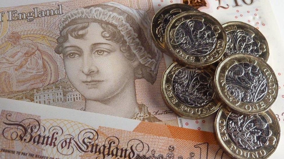 Ilustración fotográfica del billete de diez libras con un retrato de Jane Austen, en 2017 en Londres.