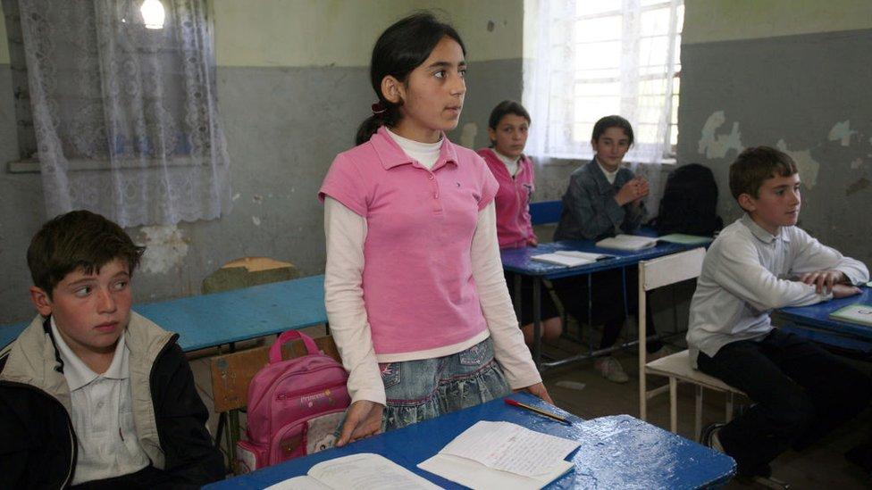 Škola v Gali