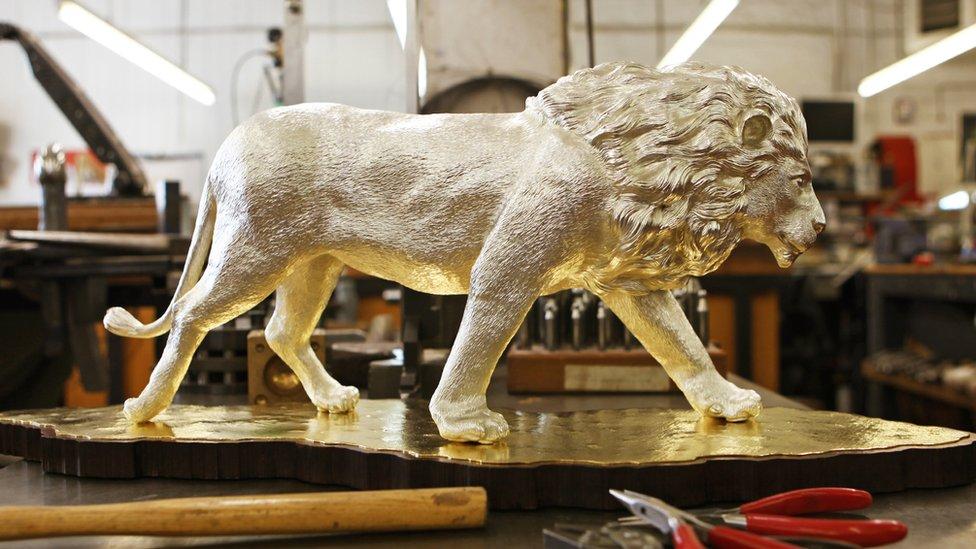 León de plata