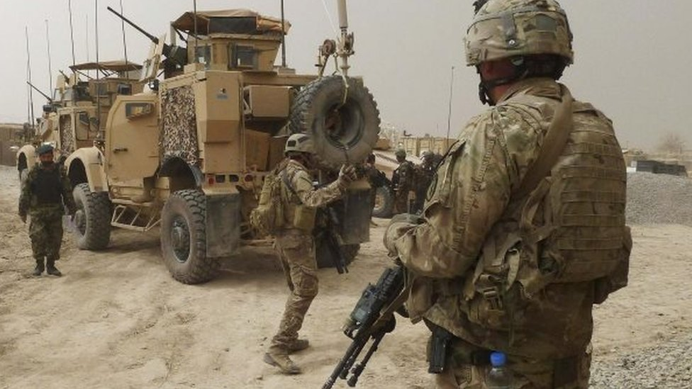 US soldiers (centre and right) and Afghan soldiers in Kandahar province, Afghanistan. File photo