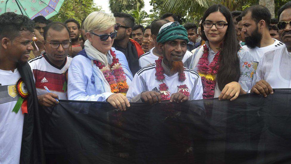 Permalink to Dukung Jerman di Piala Dunia, Petani Bangladesh Jual Tanah