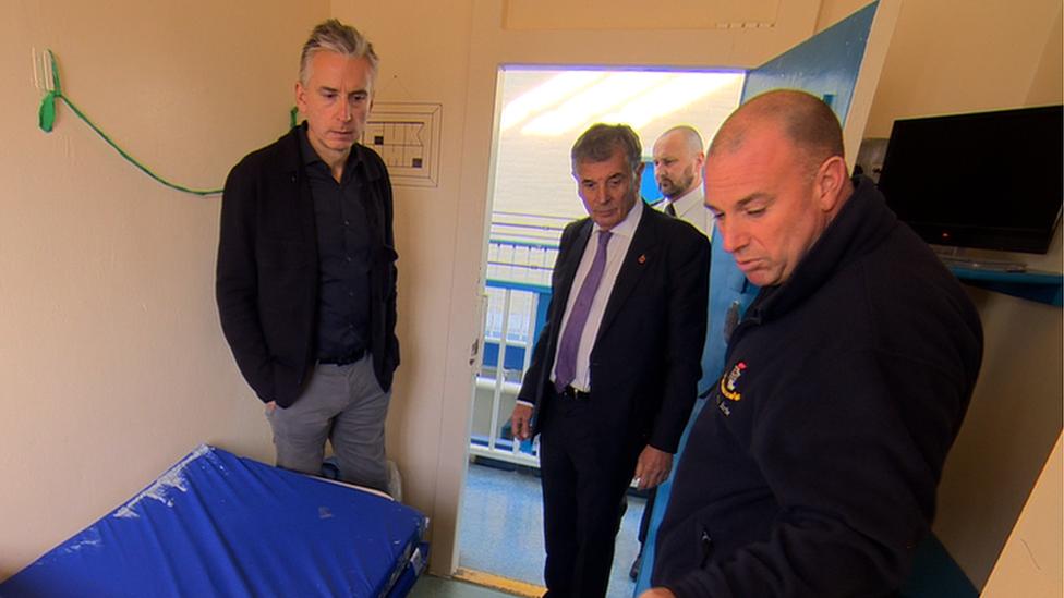 Ex-England striker Alan Smith inspires prison inmates