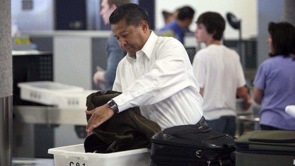 Control de seguridad en un aeropuerto