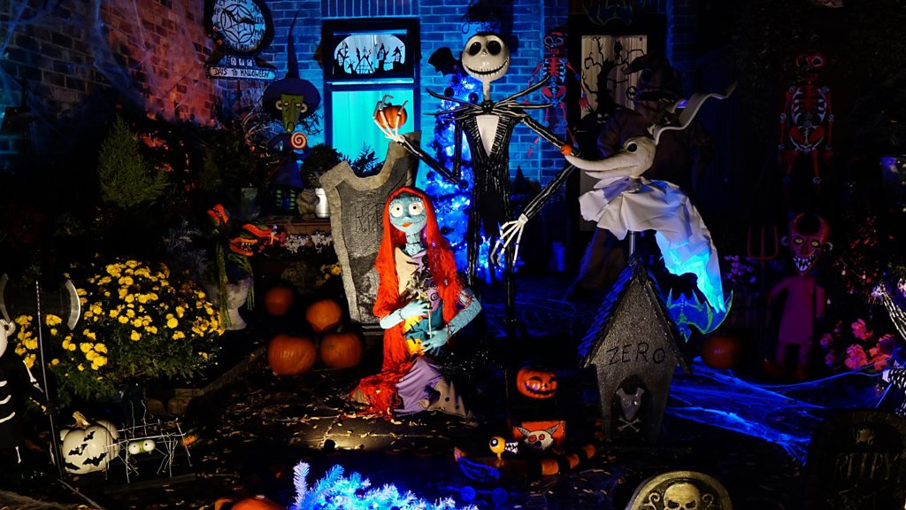 Reading tiny garden gets a Halloween make-over