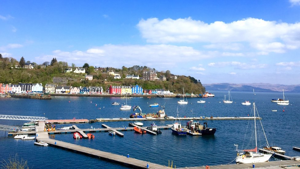 What's the story in Tobermory? Fiona Ramsay took this photo.