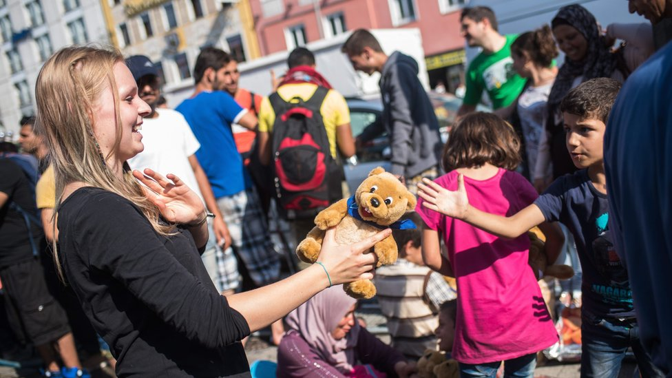 Soft toys distributed to refugees in Munich, 1 Sep 15