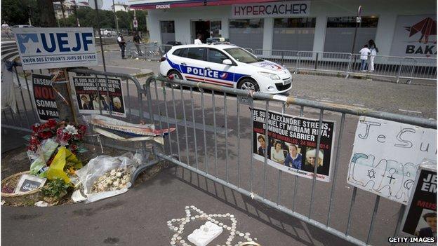 Paris supermarket attack