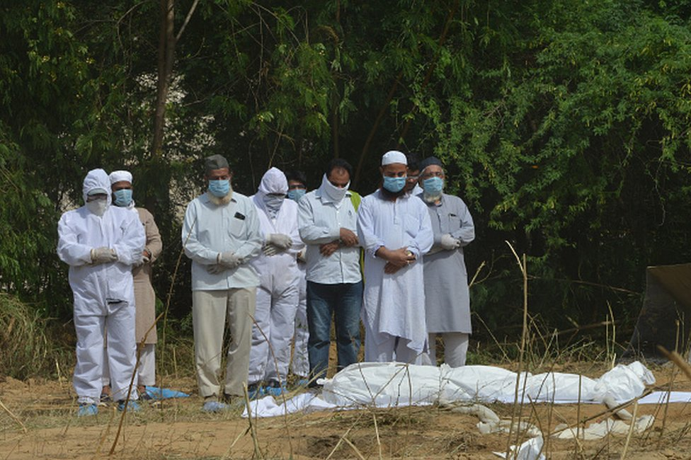 coronavirus victim burial in India